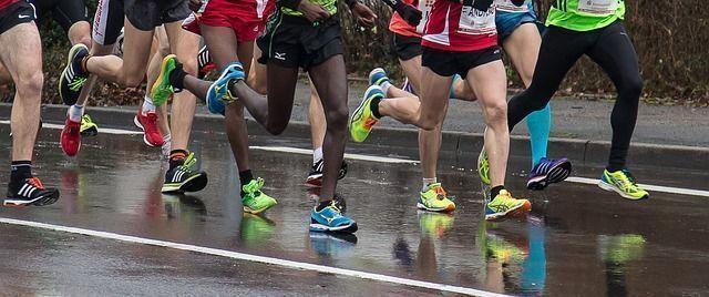 aplicaciones para correr más rápido calorías quemadas corriendo