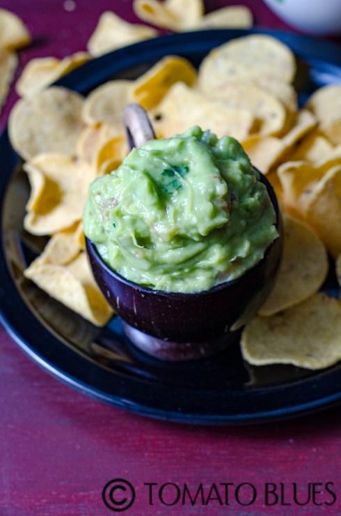 perfect chipotle style guacamole