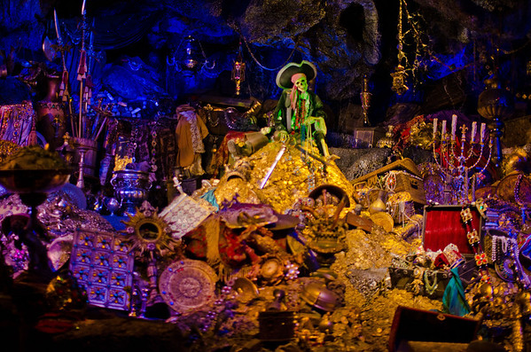 Pirates of the Caribbean is a must ride at Disneyland; it's significantly longer and better than the Walt Disney World version. More Disneyland trip planning tips: https://www.disneytouristblog.com/disneyland-first-time-visit-2012/