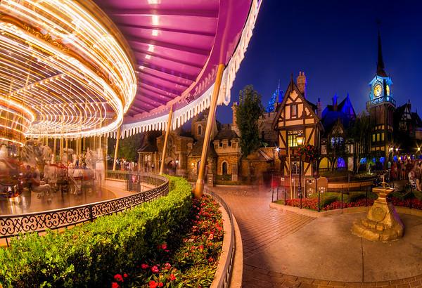 Top 10 Disneyland Rides at Night - Disney Tourist Blog