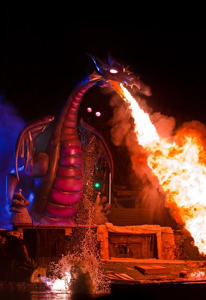 Disneyland's Fantasmic Dragon