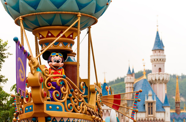 Best hong kong disneyland attractions ride guide disney tourist blog disneys flights of fantasy parade 910 hong kong disneylands daytime parade debuted during the parks 5th anniversary and is very solid for a daytime publicscrutiny Images