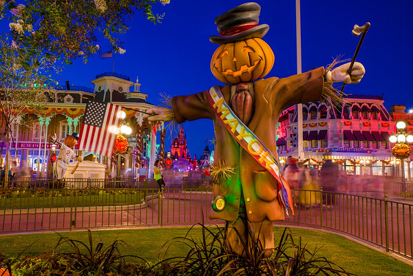 regardless of all of the other tips that we have you can be pretty certain that if a party costs less it will be less crowded if a party costs more - Disney Halloween Orlando