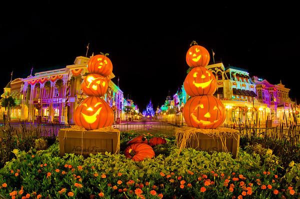 October 2018 at disney world disney tourist blog - Disney halloween images ...