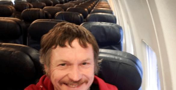 Viaja solo en avión