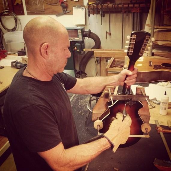 Resetting neck on #tomfreund 1960s K Mandolin