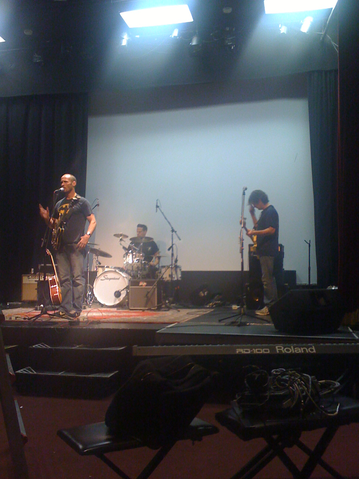 paul thorn & band loading in and setting up