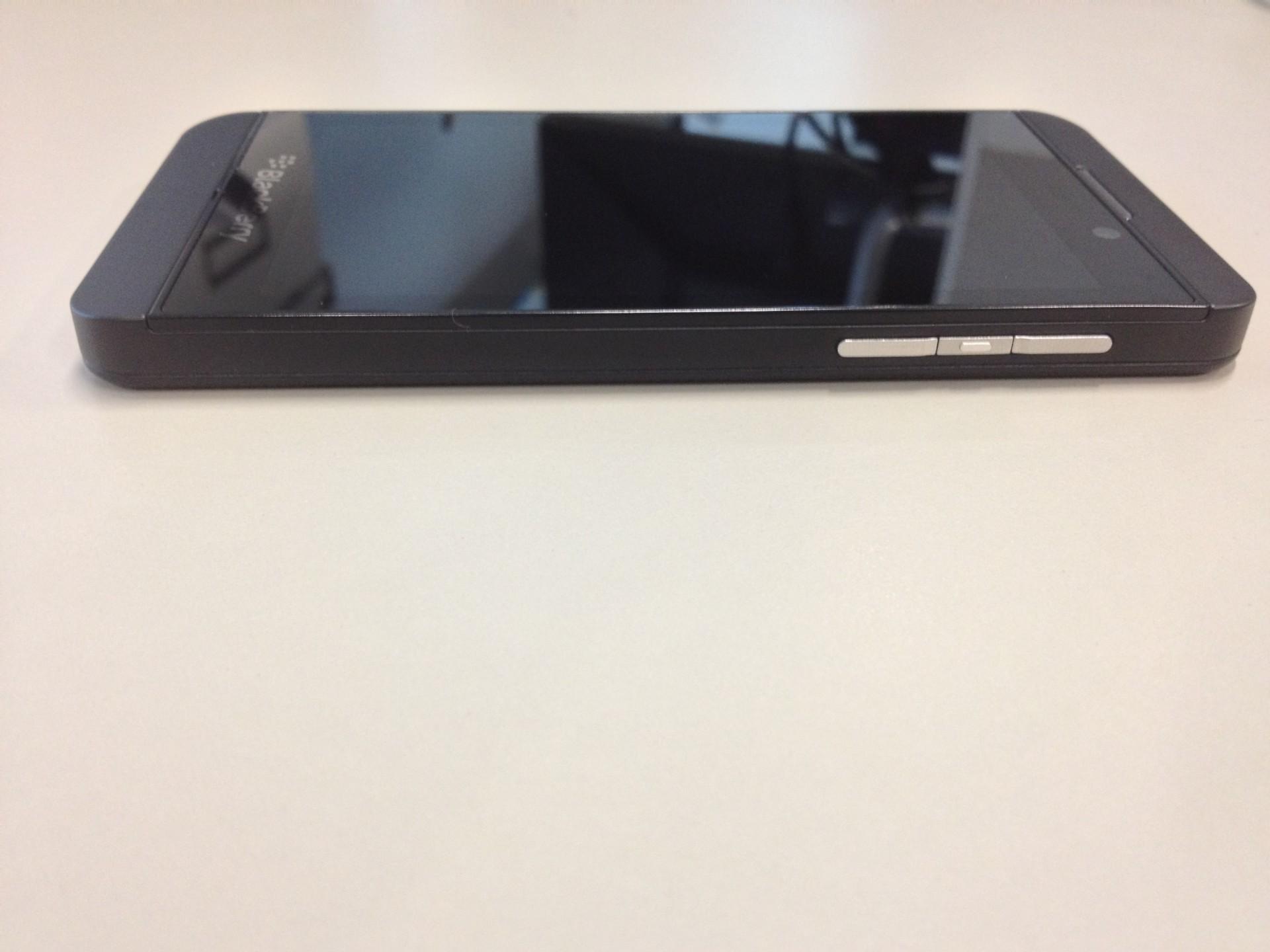 Blackberry Z10 profil