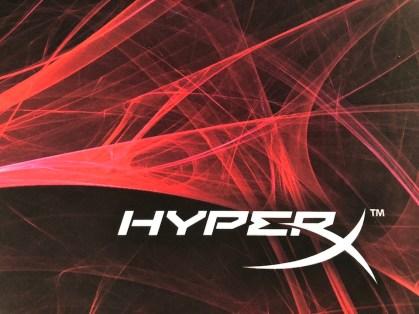 Souris HyperX Pulsefire Surge et Tapis Fury S