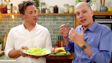 Photo of Knife Meets Life: Jamie Oliver Made a Video with Philosopher Alain de Botton and it Cooks