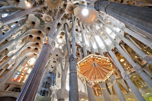 Interior-Sagrada-Familia_54357207047_54028874188_960_639143