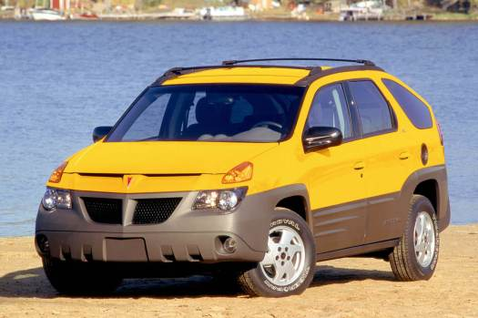 pontiac-aztek-front-three-quarters-beach