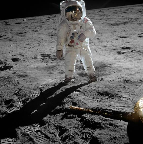 1280px-Aldrin_Apollo_11_original