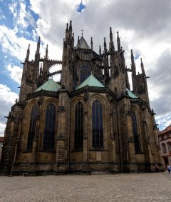 St. Vitus Cathedral behind