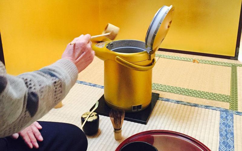 茶道セラピー教室(175号)