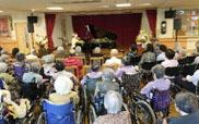 ピアノの弾き語りコンサート