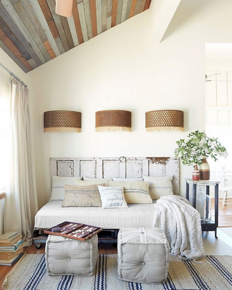 Comfortable Small Bedroom Remodel Low-Budget Ideas on Comfortable Bedroom Ideas  id=54319