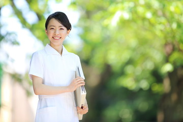 #44 大卒と専門卒の看護師の違いと就活事情
