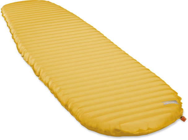 Therm-a-Rest_NeoAir_XLite_Regular_RadiantYellow_angle_PR