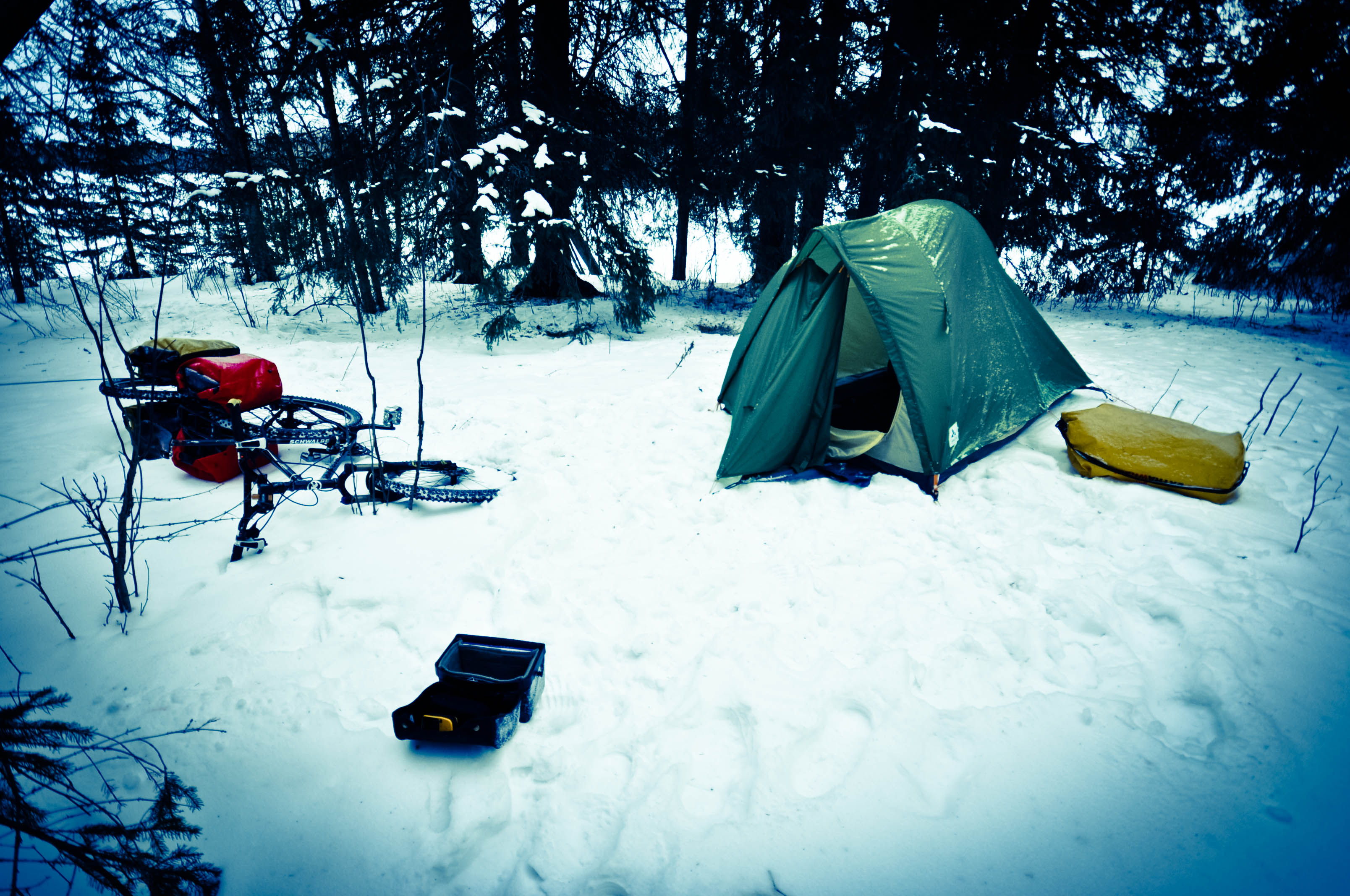 & 8 Simple Tricks To Stay Warmer When Camping In Winter