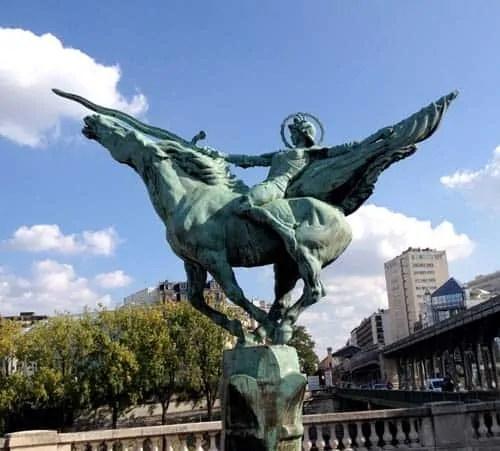 https://i1.wp.com/tomshed.com/wp-content/uploads/2019/06/The-Streets-of-Paris_-63.jpg?resize=500%2C451&ssl=1