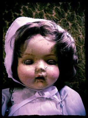 Creepy Cracked Doll (2)