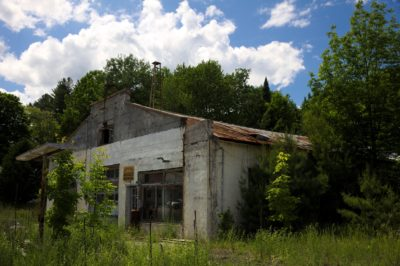 abandoned-gas-and-service-station
