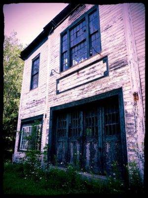 abandoned-town-hall-7
