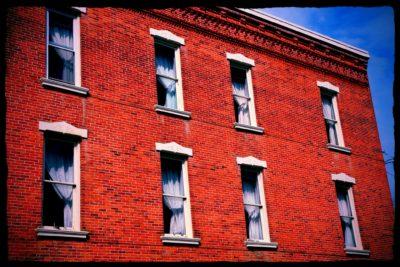 sleep-in-perfect-brick-buildings-edit