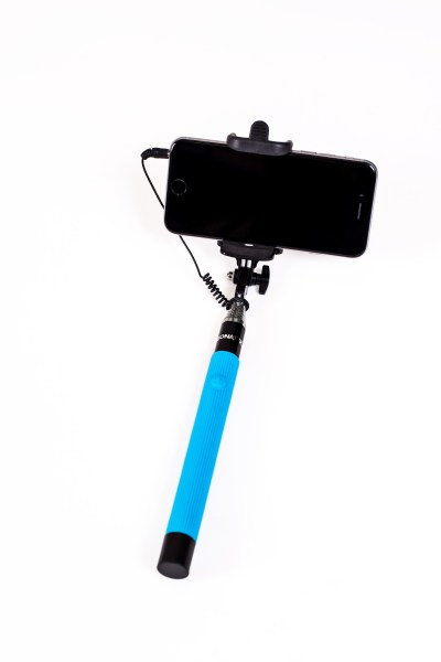 Selfie On A Stick Wired
