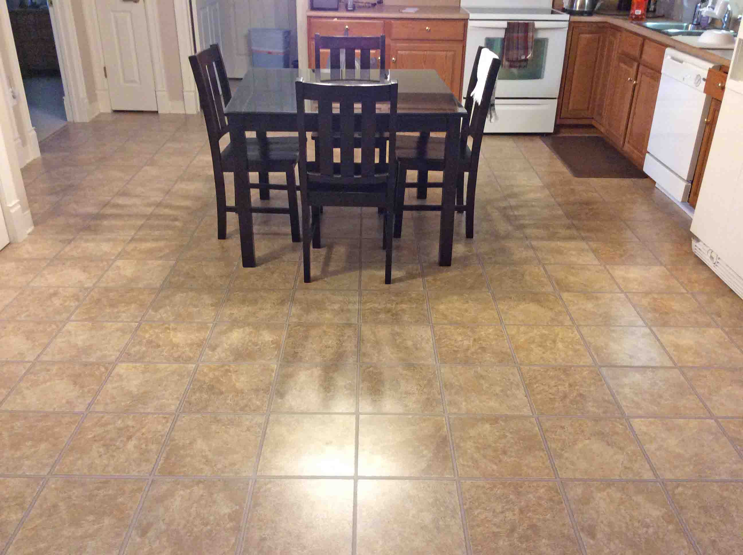 Picture Of A Vinyl Tiled Kitchen Floor, After Cleaning.