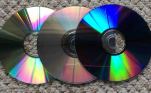 How to clean Blu Ray discs. Picture of Typical Data CD, MusicCD, and DVD Discs.