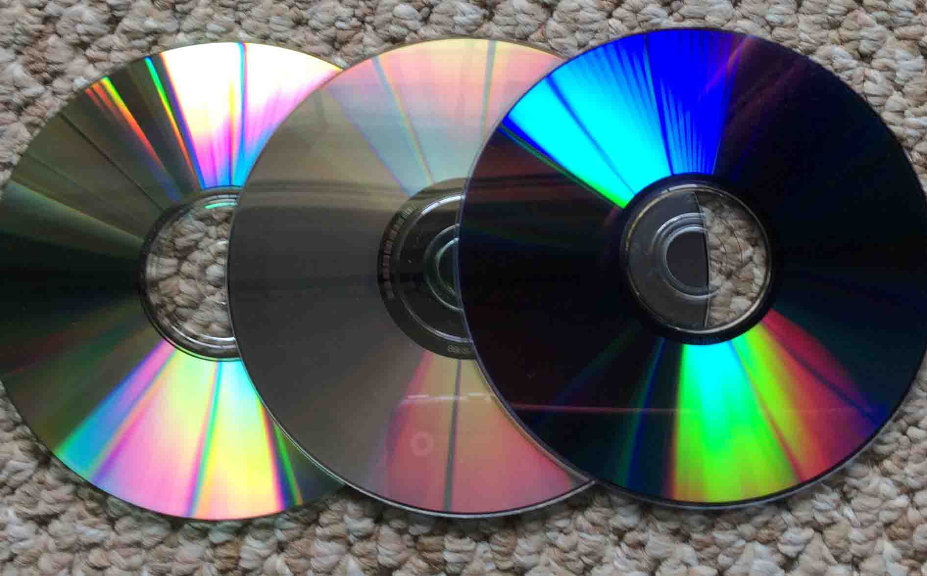 How To Fix A Scratched Ps3 Disc Cd Dvd And Blu Ray Repair Your Plasystation 3 Laser Picture Of Typical Game Discs
