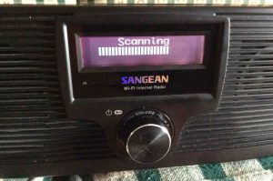 Picture of the Sangean WFR-20 Radio, Scanning For Wireless Networks Screen.