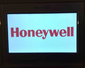 Picture of the Honeywell RTH9580WF Smart Thermostat, displaying the Boot screen.