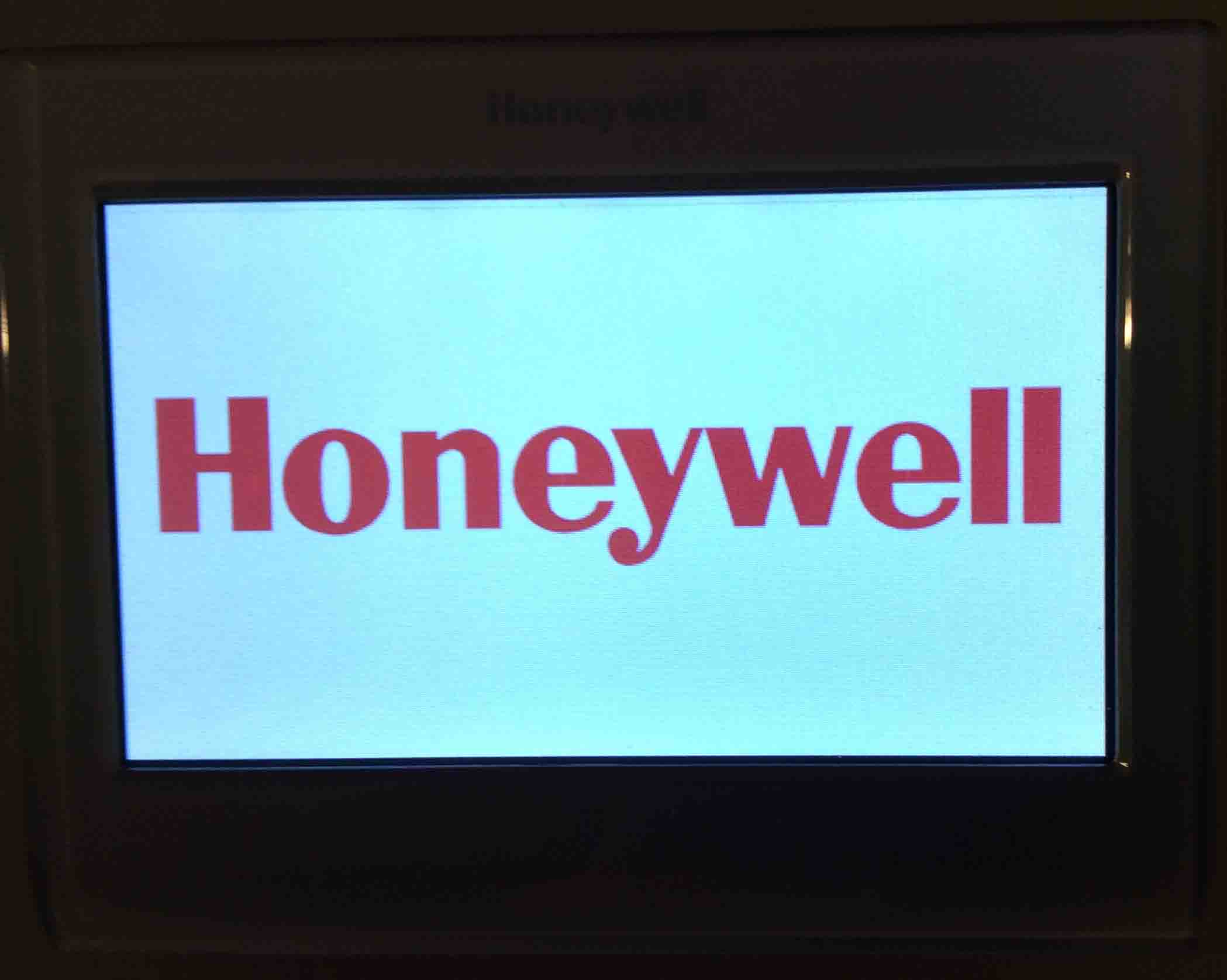 Honeywell Smart Thermostat Wiring Instructions Rth9580wf Toms Tek Home Picture Of The Displaying Boot Screen