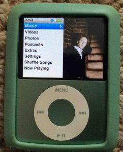 iPod Nano 3rd Generation reset. Picture of the iPod Nano 3rd Gen Portable Player, displaying its main menu.