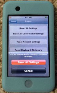 Picture of the Apple iPod Touch Player, displaying the Reset All Settings confirmation screen.
