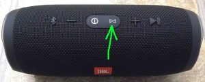 JBL Charge 3 buttons layout guide. Picture of the JBL Charge 3 power bank speaker. Showing its -Connect Plus- button highlighted.