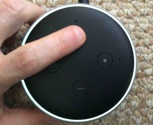 Picture of the Alexa Amazon Echo Dot 3 smart speaker. What light ring shows when speaker set to full max volume.