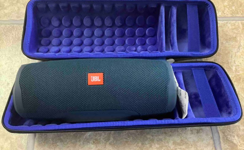 Picture of the JBL Charge 4 BT speaker in a typical zip up case.