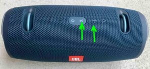 Top view picture of the JBL Xtreme 2 speaker, showing the -Connect- and -Volume Up- buttons highlighted.