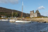 Yachts and the castle, Lochranza
