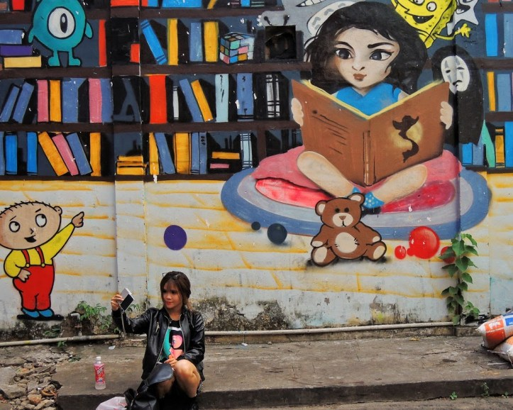 Travel in Ho Chi Minh City, Vietnam, and look for great street art