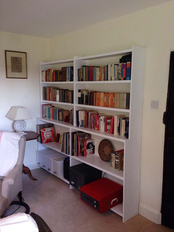 Tom's Handymen Brighton Bespoke Shelving. A Brighton Handyman service that is skilled, versatile and experienced. Make use of that space with Tom's Handymen in Brighton