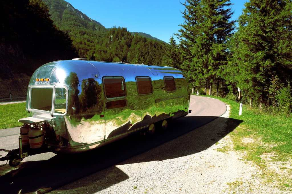 Glamping Airstream Aussen Tag