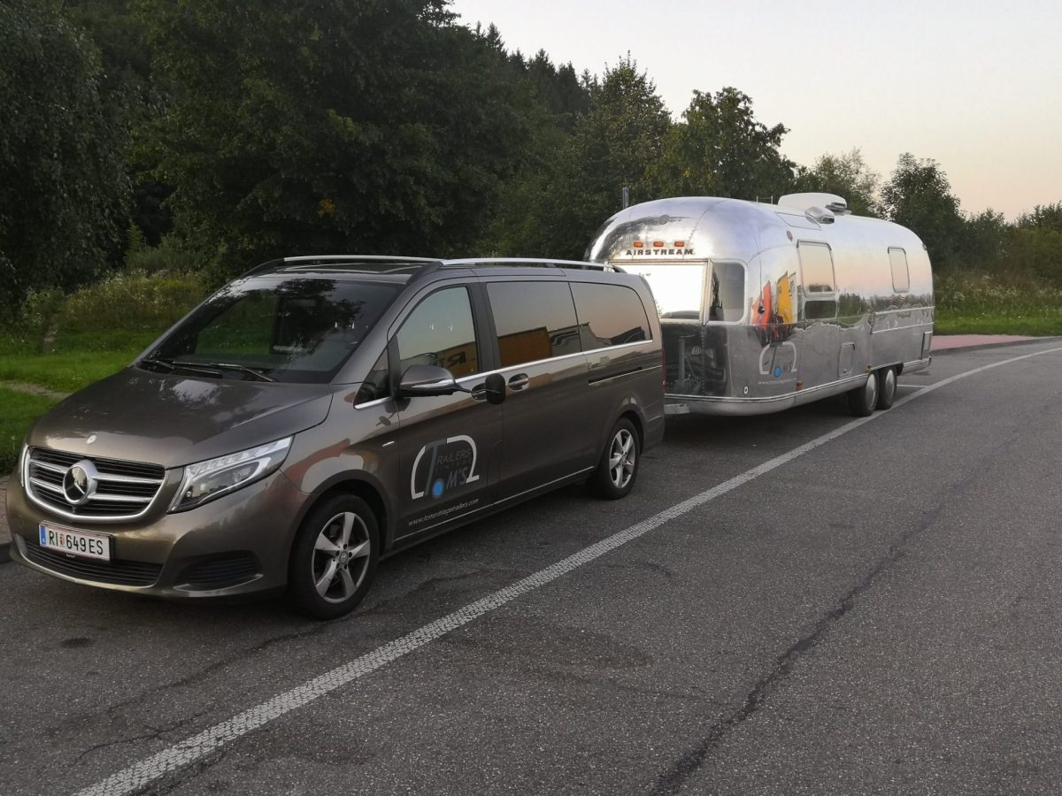 Zugfahrzeug Mercedes Benz V250 4Matic- Fond