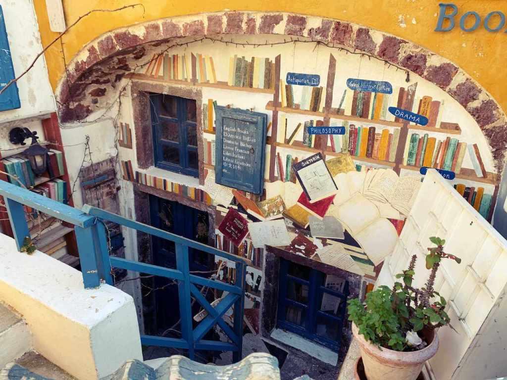 サントリーニ島のイアの本屋