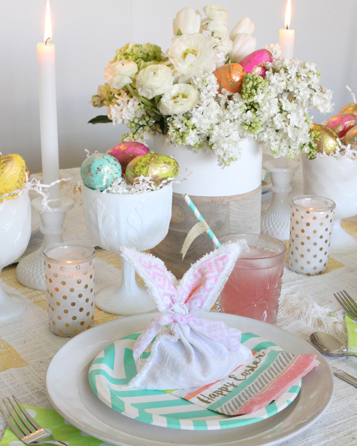 Easter Table with DIY Easter Bunny Favor