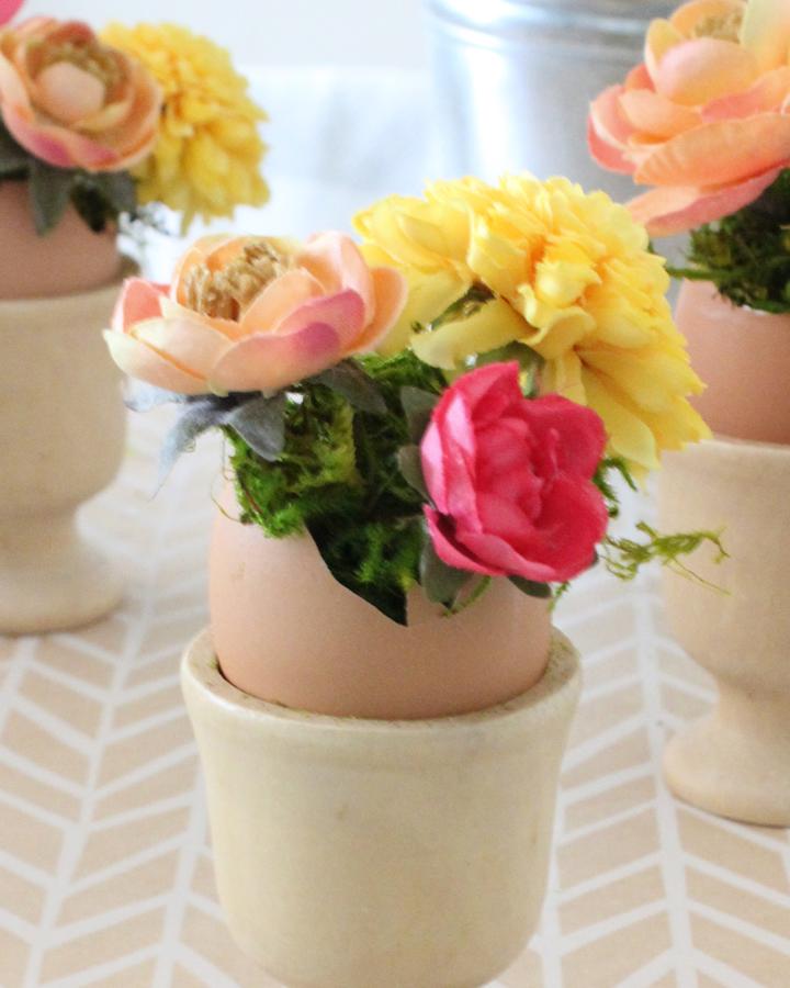 DIY Blooming Easter Eggs | Via Tonality Designs